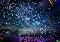 confetti and crowd